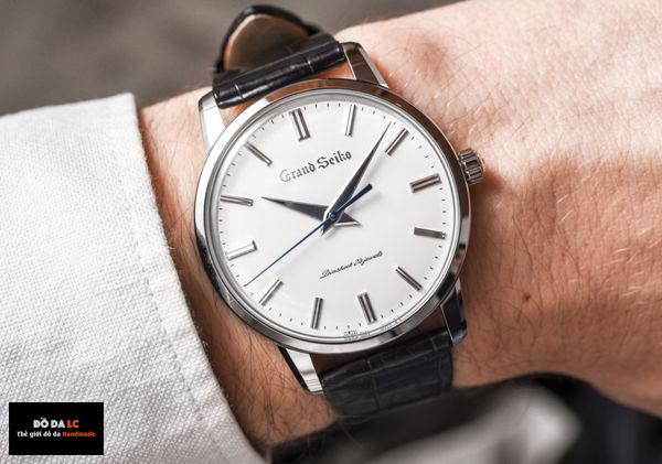 Cách tháo chốt đồng hồ để thay quai da đồng hồ
