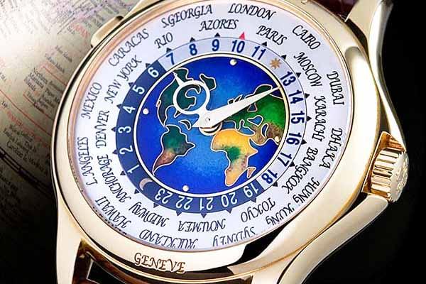 Patek Philippe 1953 Heures Universelles mẫu 2523: 2,9 triệu USD