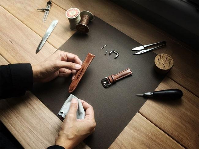 Sản phẩm dây đồng hồ da bò của DODALC được làm hoàn toàn thủ công Handmade