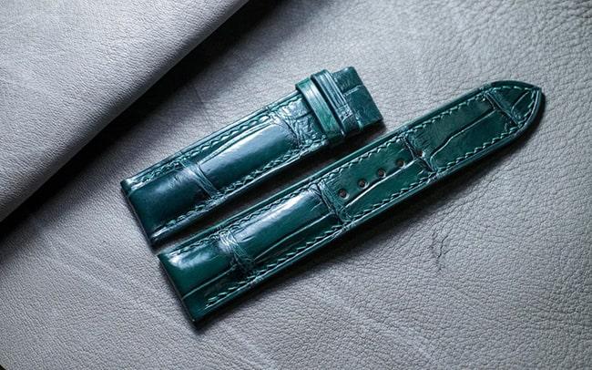 Sản phẩm dây da đồng hồ nam chất liệu da cá sấu cao cấp của DODALC