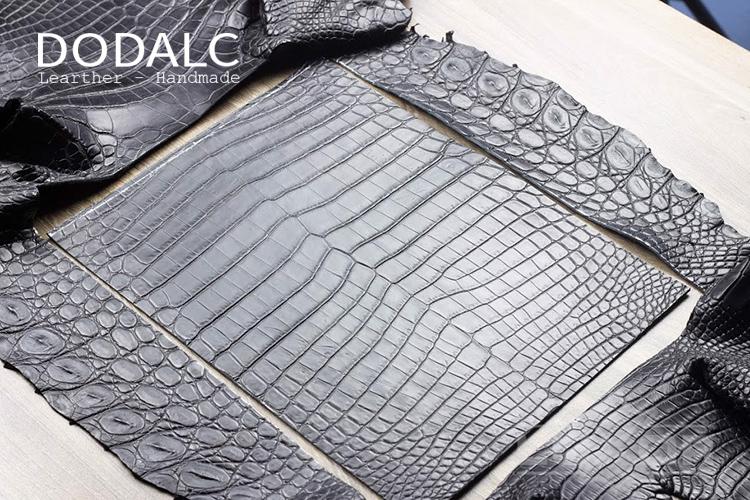 Sản phẩm ví da handmade của DODALC được làm hoàn toàn từ chất liệu da thật tự nhiên cao cấp nhất
